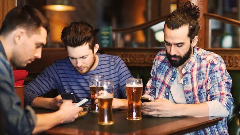 celular bar chicos